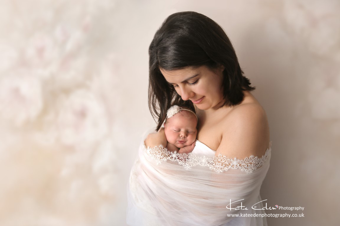 A stunning mum with her baby - Aberdeen newborn photographer
