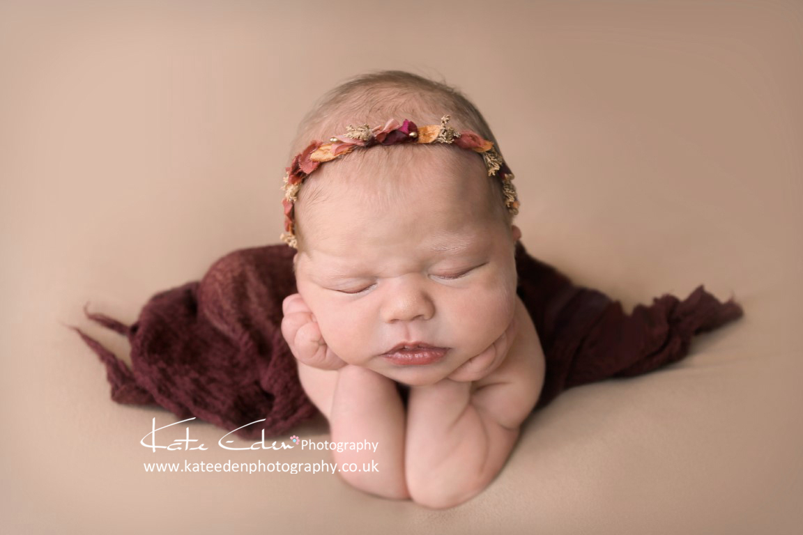 The frog pose - newborn photography