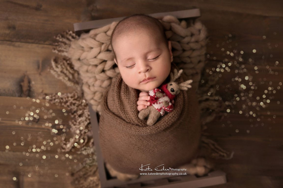 Christmas photoshoot - Kate Eden Photography - Milton Keynes Newborn Photographer