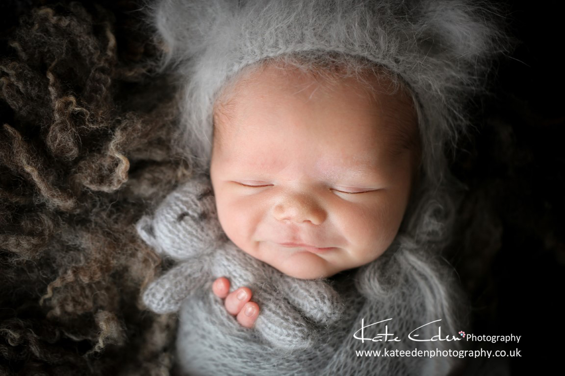 newborn photography Aberdeen - newborn smile