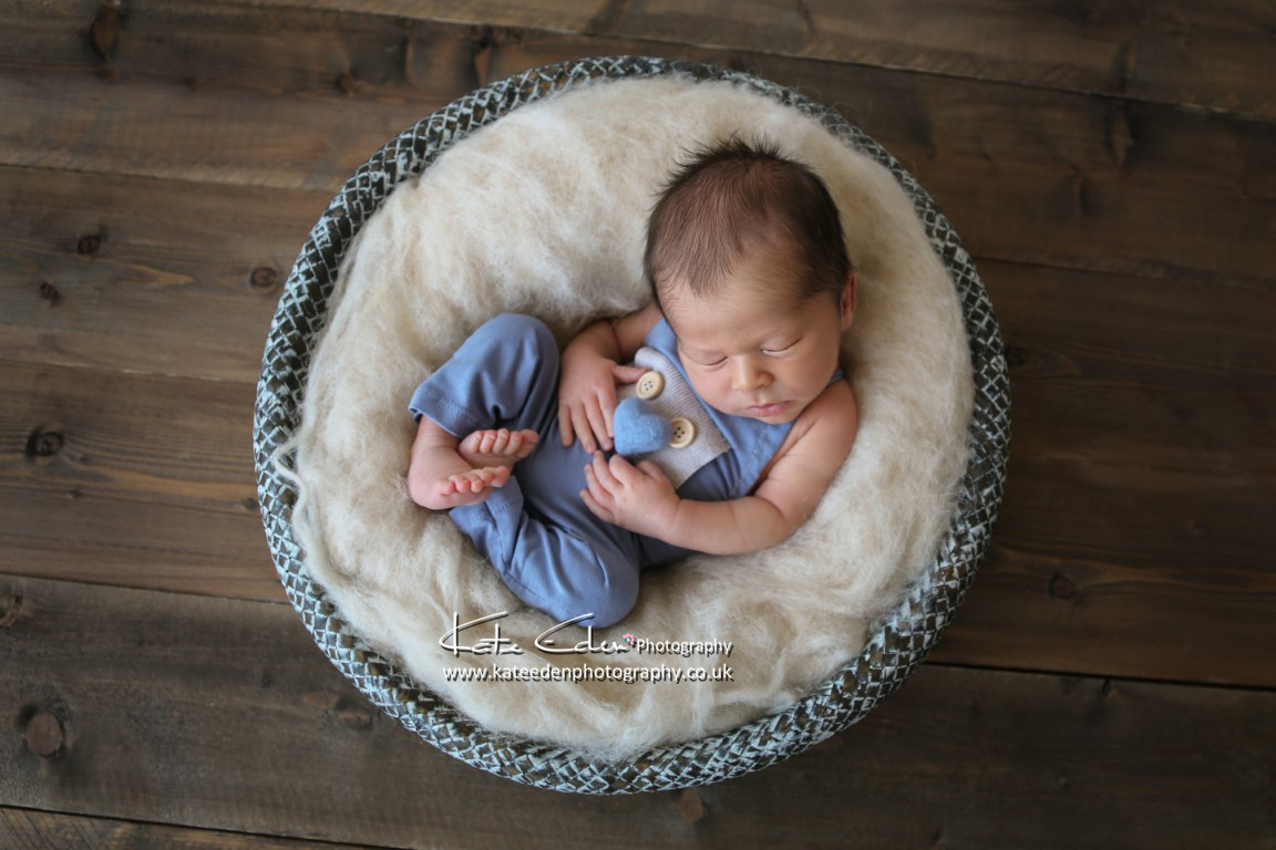 newborn with felted heart - newborn photographer Aberdeen