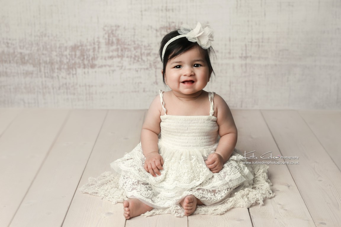 7 months old baby girl - Milton Keynes baby photographer - Kate Eden Photography