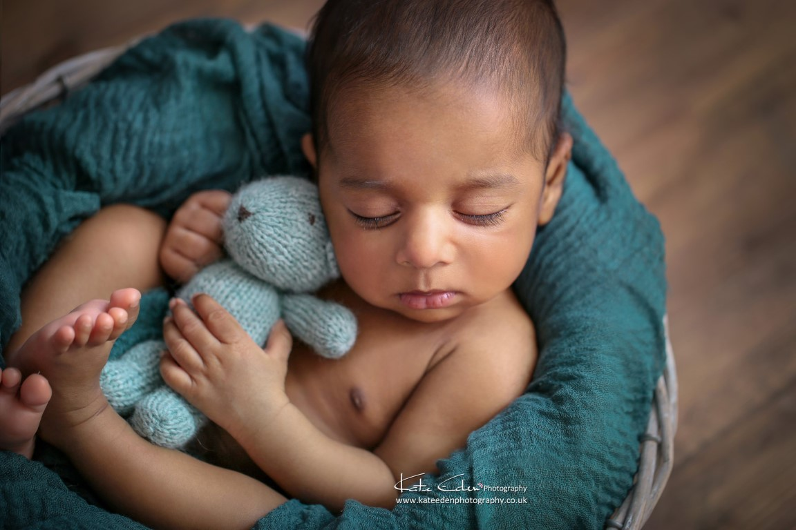 My first baby after the quarantine - Newborn photographer Milton Keynes - Kate Eden photography