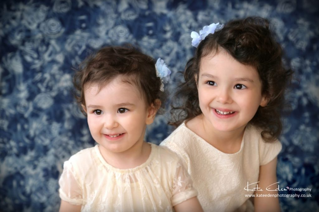 Cute sisters - Aberdeeb baby photographer