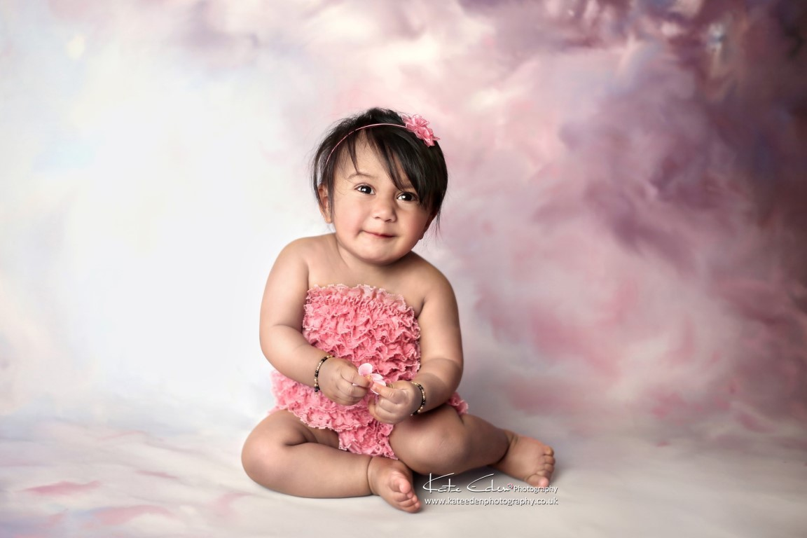 9-months old baby girl - sitter session - Kate Eden Photography - Milton Keynes baby photographer